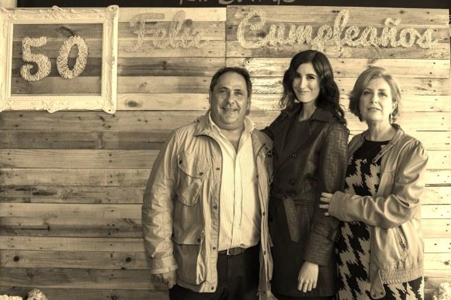 Ángela Caparroz de De Boda con Ángela con los anfitriones Jesús y Julia