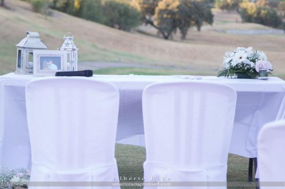 Diseñamos un altar de lo más original para la boda civil