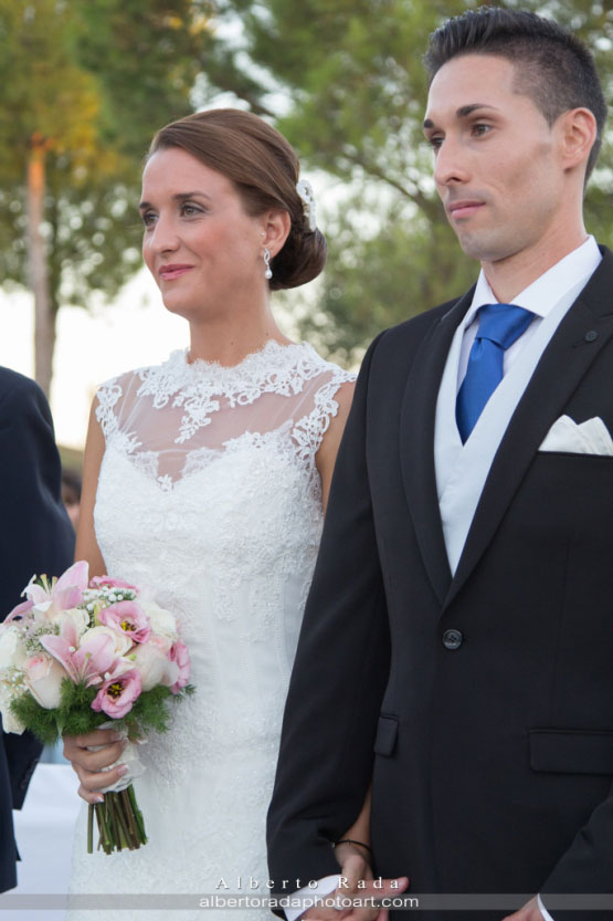 María y Javier durante la ceremonia civil