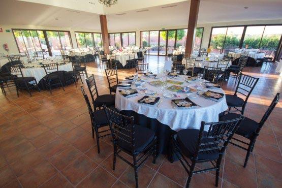 Mesa para los benjamines de una boda