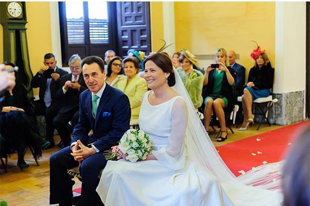 Momento durante la boda en la Casa Palacion Bucarelli, Sevilla