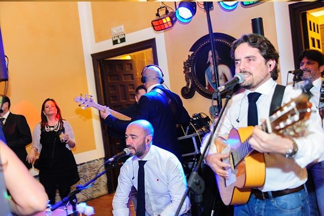 Actuación musical en la boda de S&A