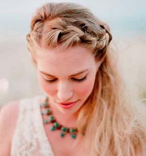 Cómo peinarse y maquillarse para una boda en la playa