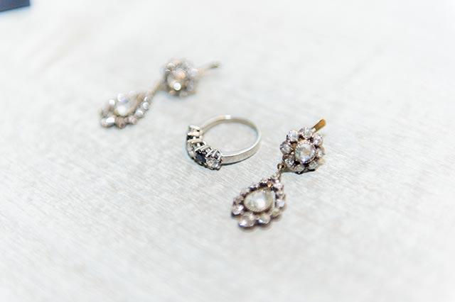 Pendientes y anillo de pedida Tendencia Art Decó