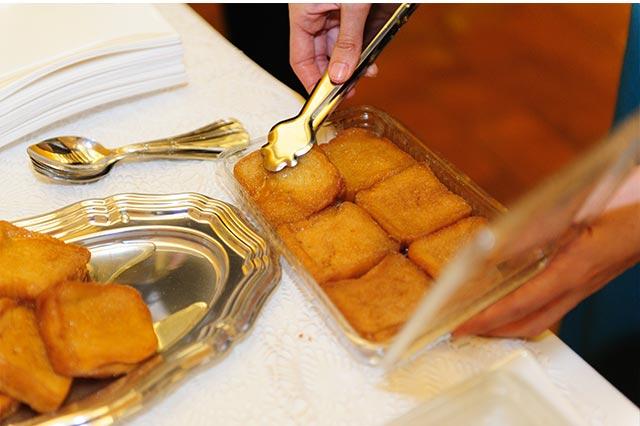 Torrijas para una mesa dulce de lo más sevillana y cofrade