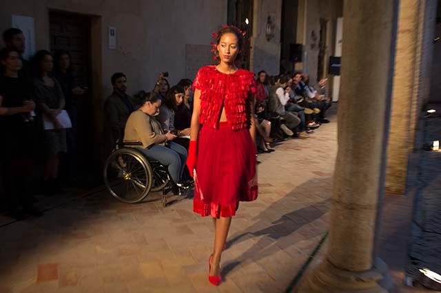 Conjunto falda blusa rojo Antonio Postigo