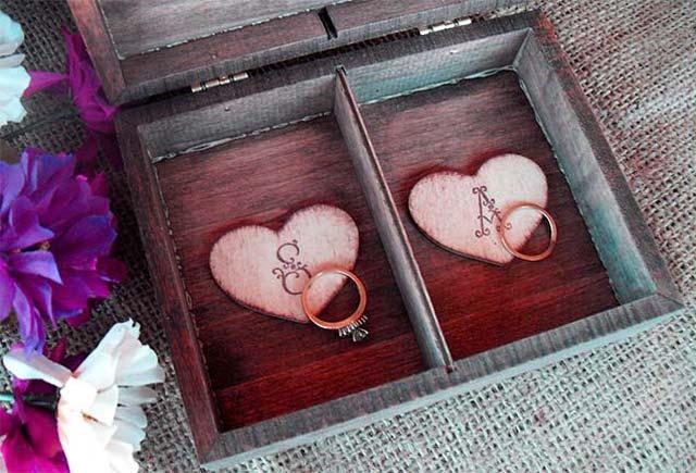 Caja original para presentar nuestros anillos en la boda