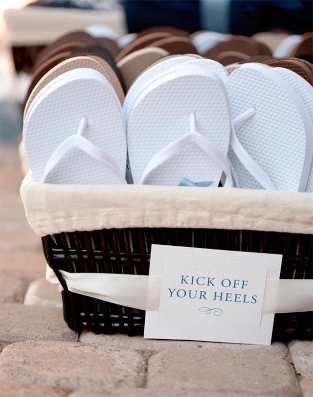 Chanclas playeras para regalar a tus invitados como detalle de boda