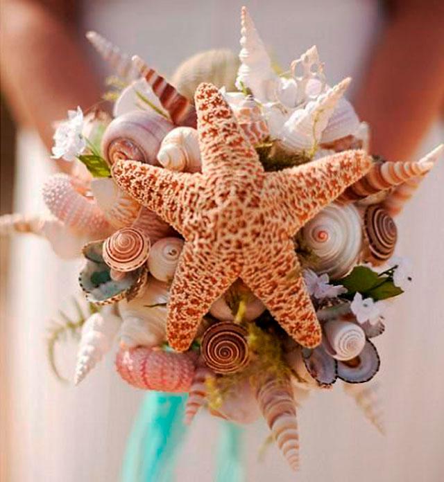 Detalle de todo un ramo de novia para celebrar una boda en la playa. Cuidamos todos los detalles.