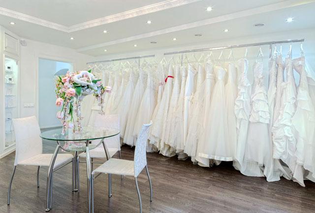¿Por qué son blancos los vestidos de novia?