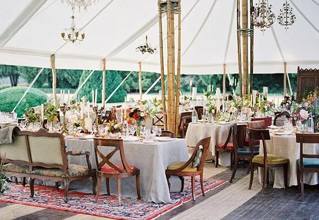 Mesas originales en una boda celebrada en el campo