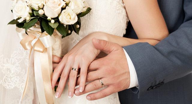 Qué mano elegir para colocar el anillo de boda