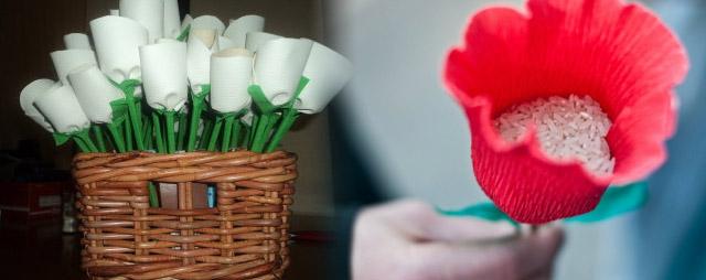 Ideas originales para colocar el arroz en las bodas utilizando flores