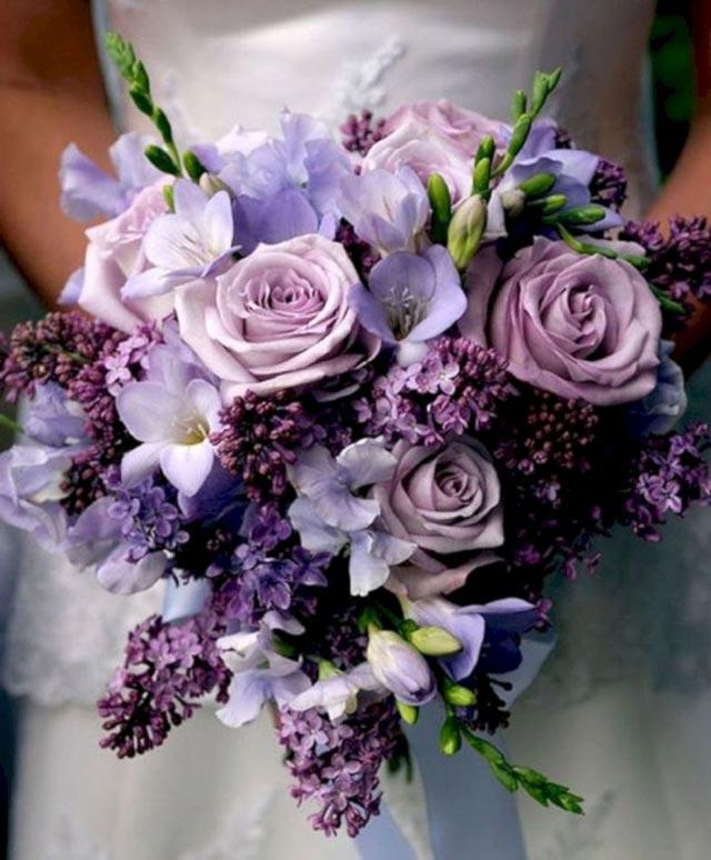 Ramo de novia en tonos ultravioletas