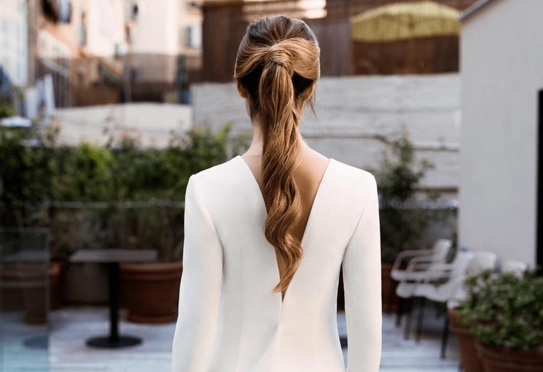 Peinados con cola para novias que celebran su boda en otoño