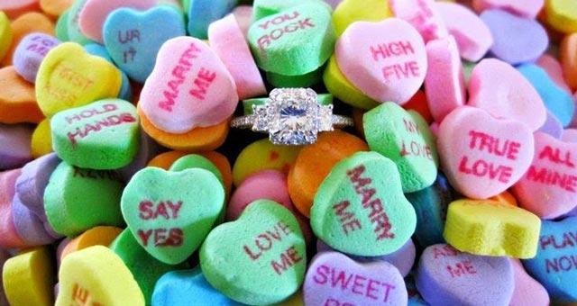 Caramelos para pedirle a tu pareja que se case contigo