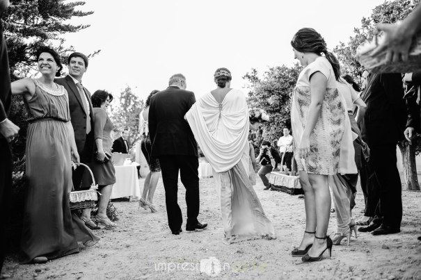 Boda de Alicia y Raúl. Detalle de la espalda del vestido de novia