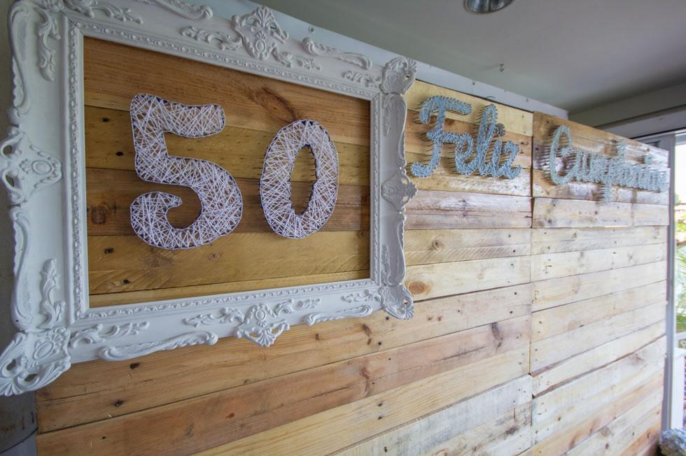 Recepción y bienvenida en Salón Bitácora del Restaurante Río Grande para el 50 cumpleaños de Jesus
