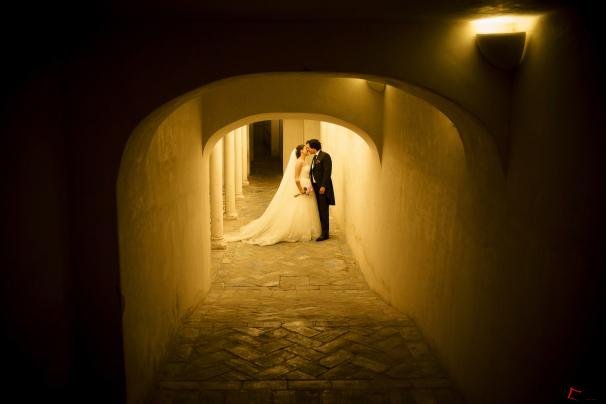 Nuestros novios, Antonio y Ana, besándose