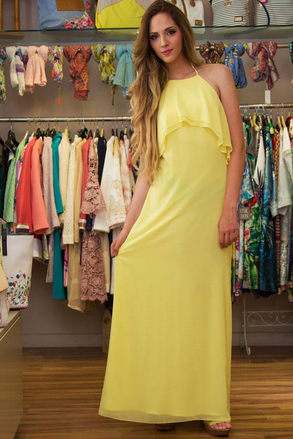 Vestido amarillo con espalda descubierta para invitada a boda