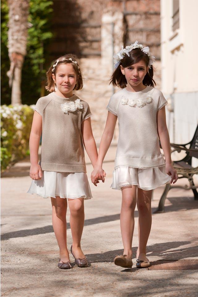 Conjuntos de falda y blusa en tonos marrones y beige para niñas que sean pajes en una boda