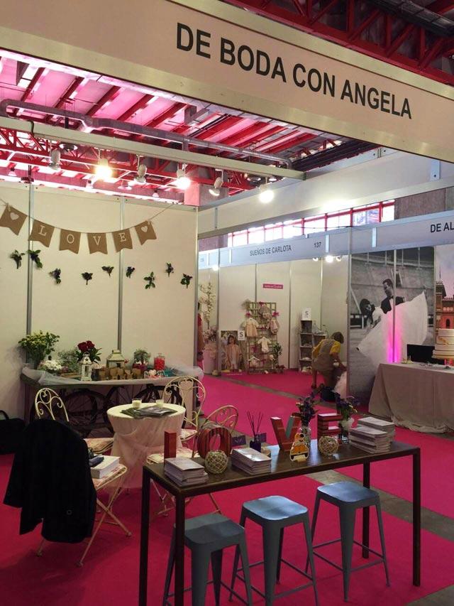 Mesa-mostrador para atender a nuestros visitantes en el Feria Expo Mujer España 2015