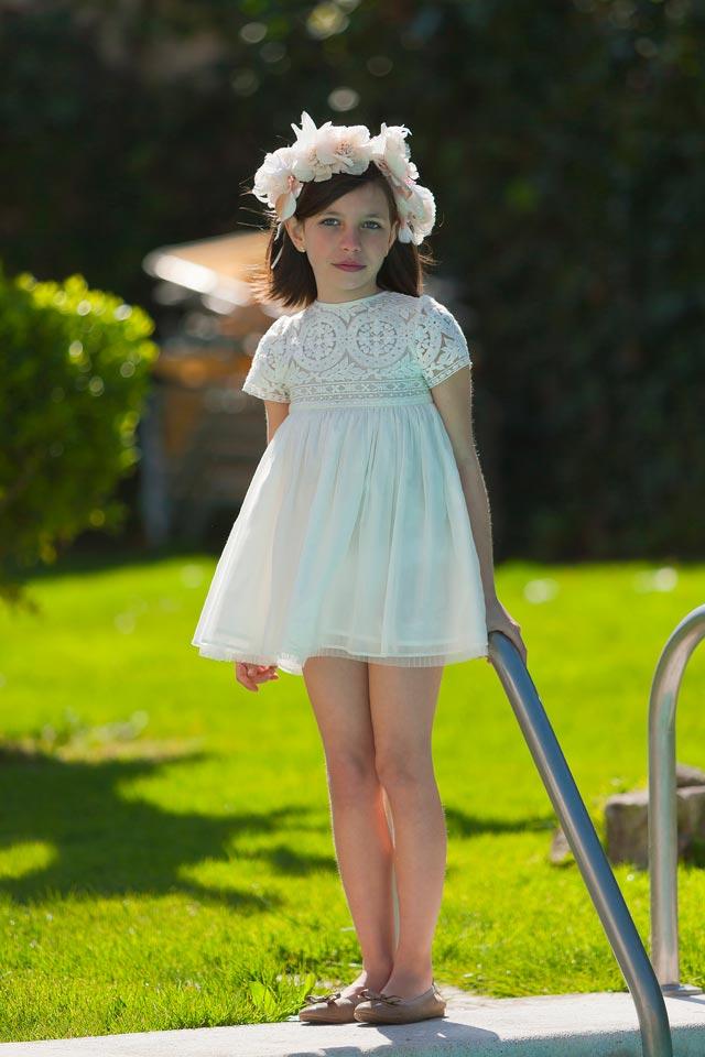 Vestido blanco para niña de arras en boda