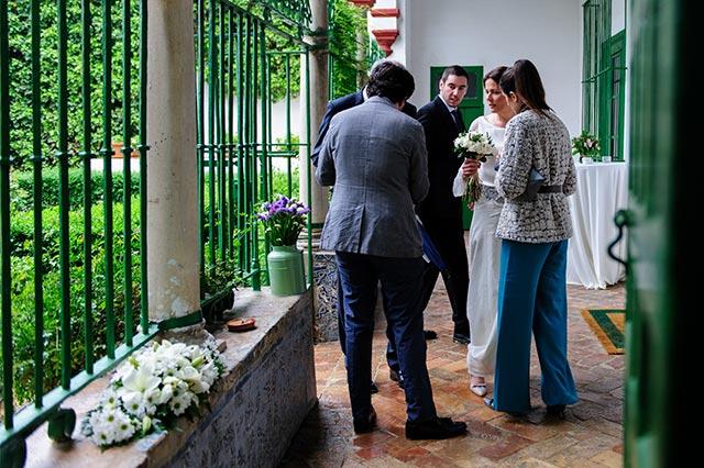 Nuestros organizadores de bodas ayudando a los novios