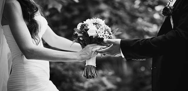 Elegid entre una ceremonia religiosa o civil