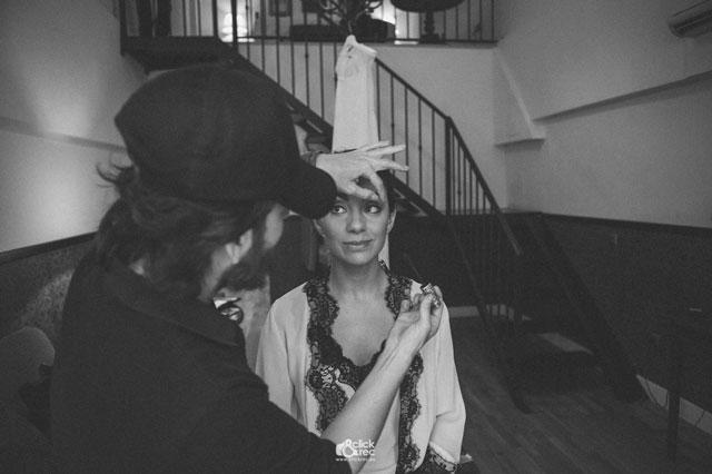 Javier Mascareña maquillando a nuestra preciosa novia