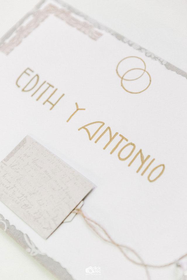 Libro de firmas de Edith y Antonio