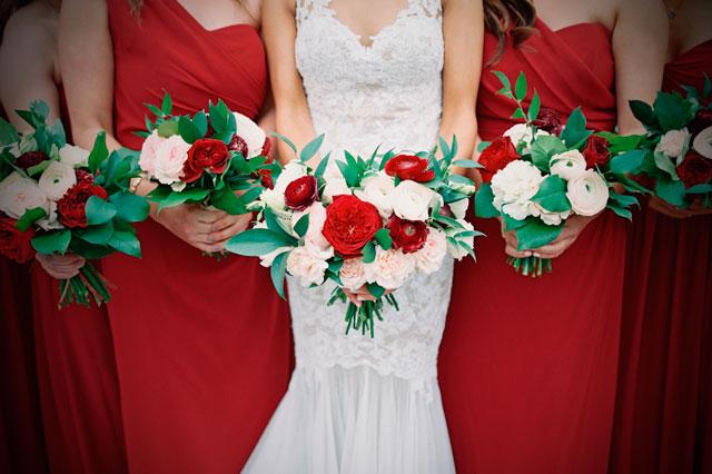 Bodas en Navidad. 4 ideas que ayudarán a decorar tu boda con toques navideños