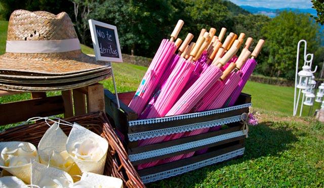 Paraguas como regalo para invitados en día de musho sol o día en el que pueda llover