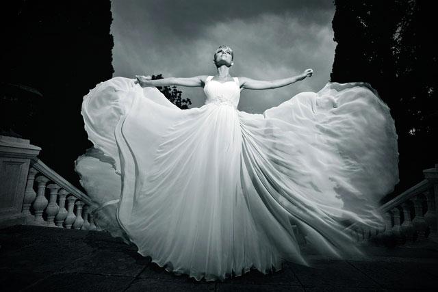 Todo sobre la tradición del vestido blanco de novia