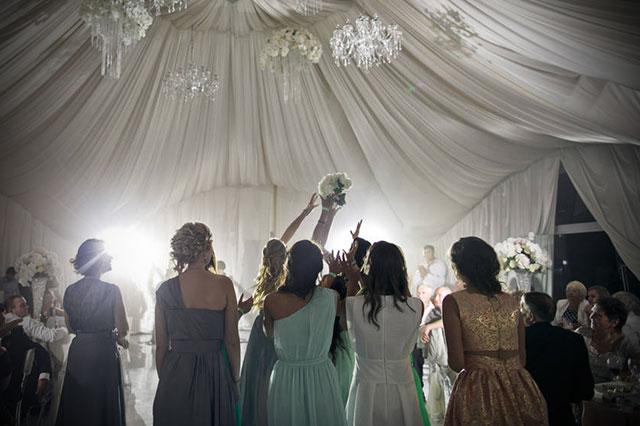 Los 5 errores a evitar si te invitan a una boda