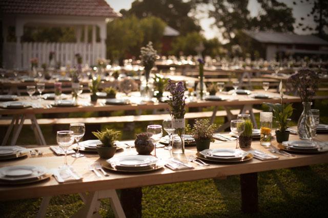 Ideas para mesas de invitados en bodas de estilo rústico y campestre