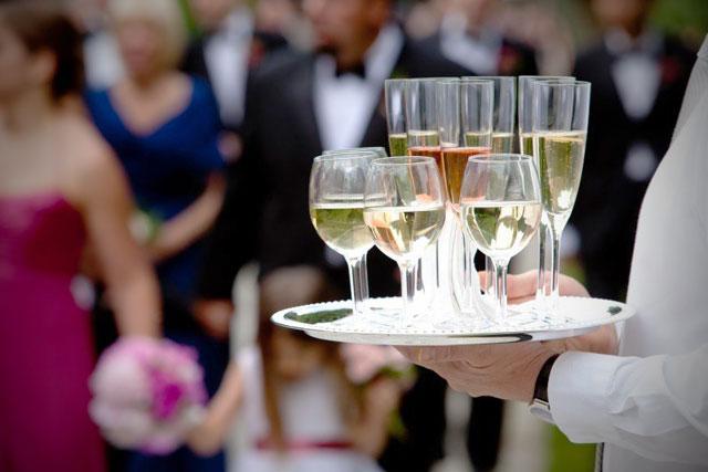 Ventajas de las bodas tipo cóctel, y motivos para elegir un banquete de este tipo