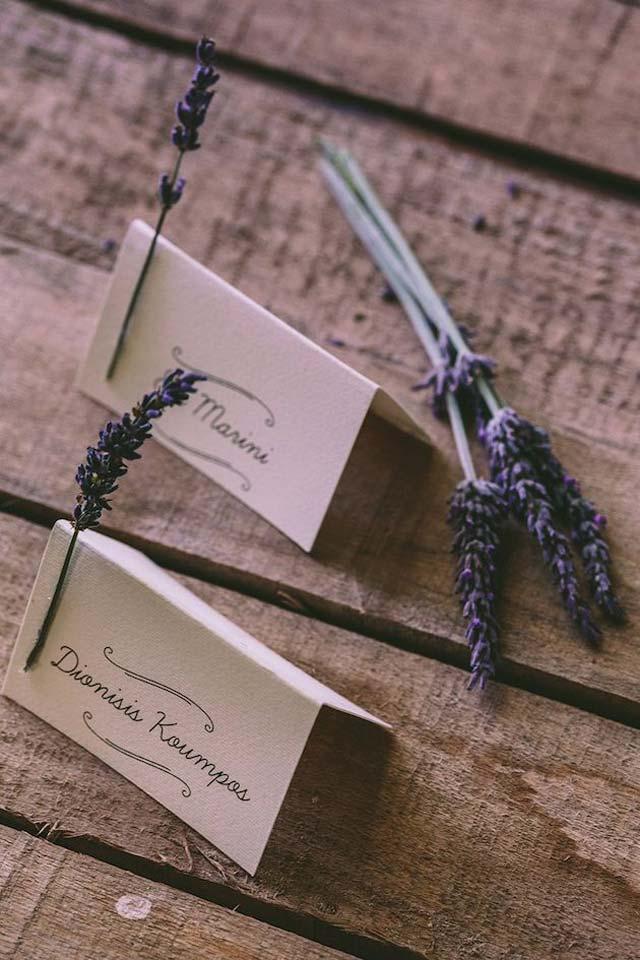 Detalle tarjetas con flor de lavanda
