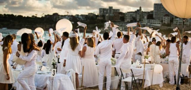 Sobreviviendo a esa boda veraniega a la que te han invitado