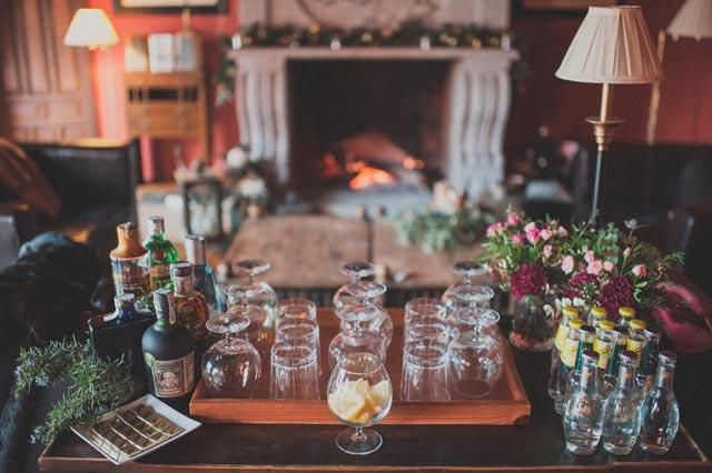 Chimenea para una boda romántica e íntima