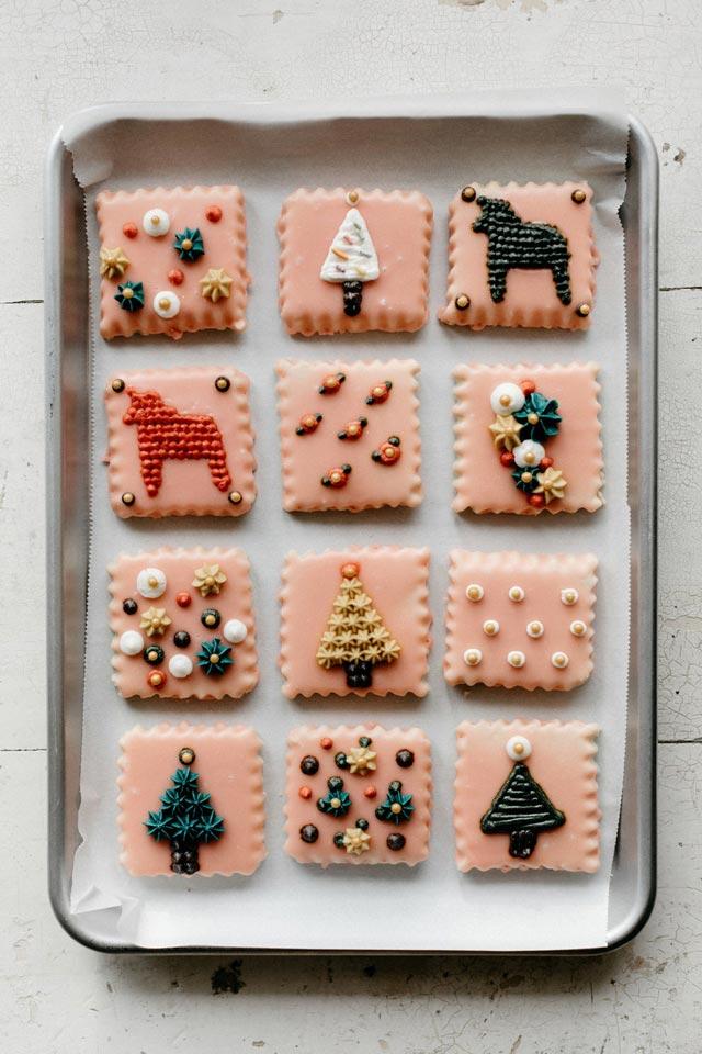 Galletas de Navidad con crema de mantequillo, y motivos navideños