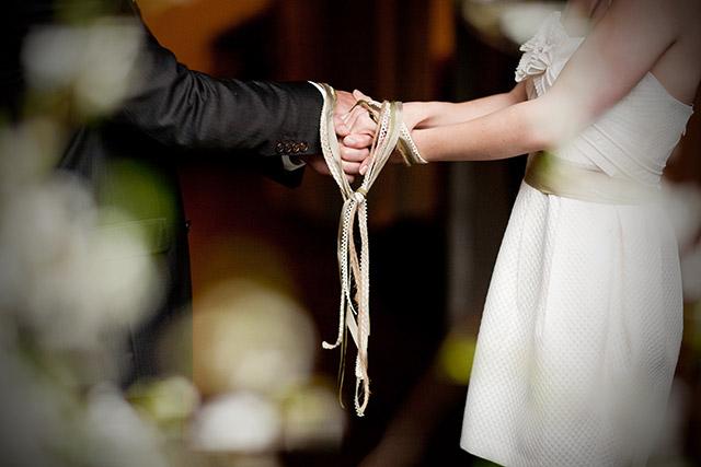 Handfasting o unión de manos. Ceremonia de tradición celta